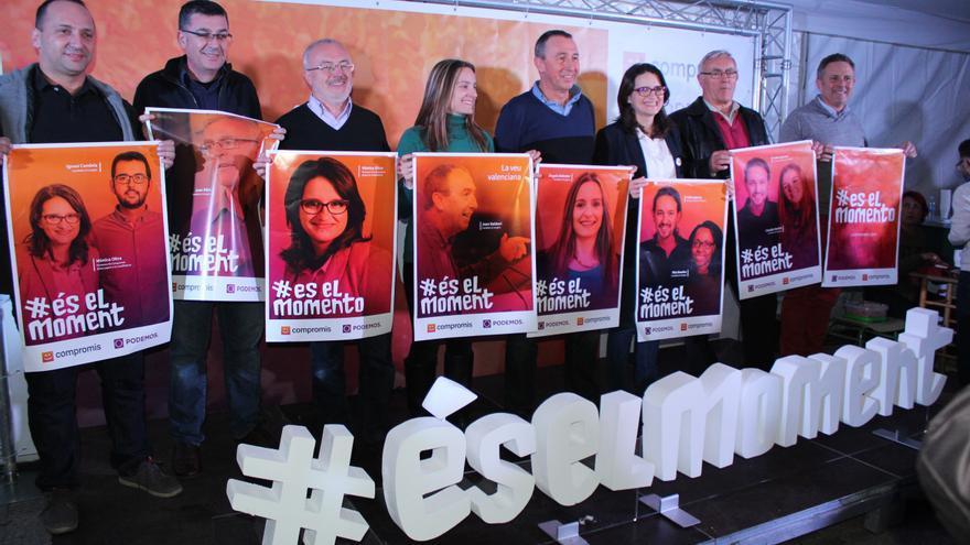 Los candidatos de 'Compromís-Podemos. És el moment' junto a dirigentes de ambos partidos