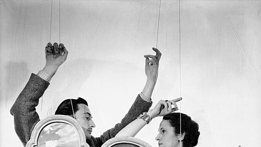 Dalí y Gala fotografiados por Cecil Beaton en 1936