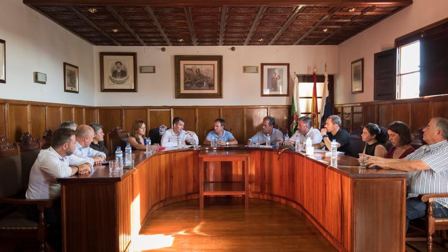 En la imagen, reunión de Fernando Clavijo en El Paso.