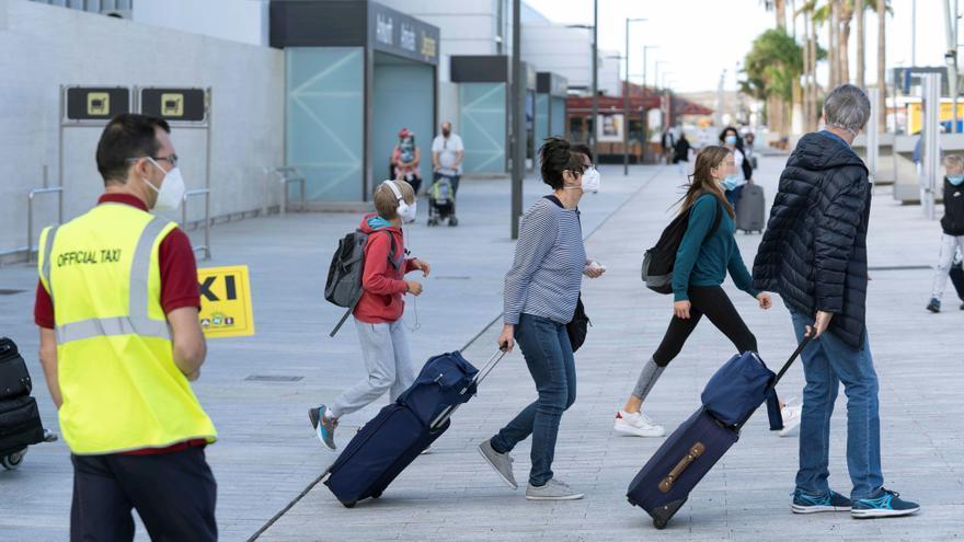 Las pernoctaciones en alojamientos no hoteleros bajaron el 74,1 % en enero