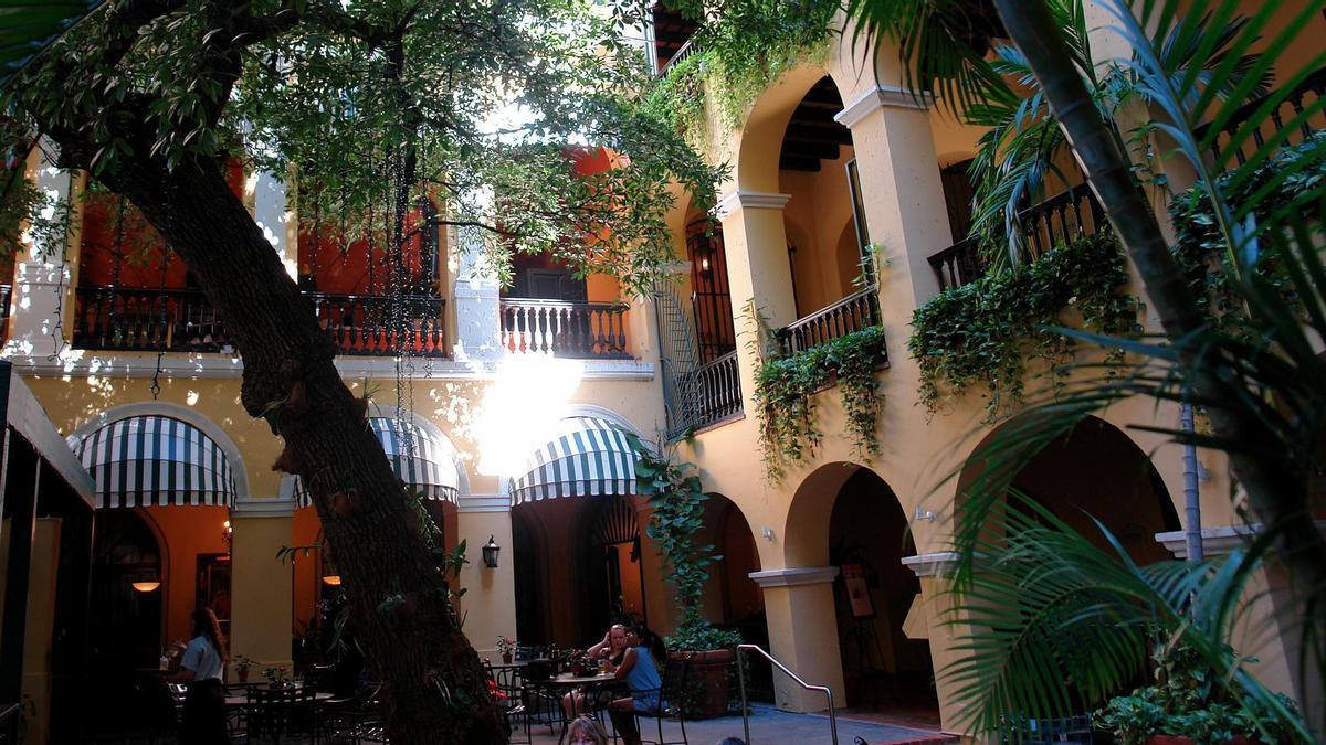 Patio en el Viejo San Juan. La capital de Puerto Rico es uno de los mejores ejemplos de ciudad española en el Caribe.