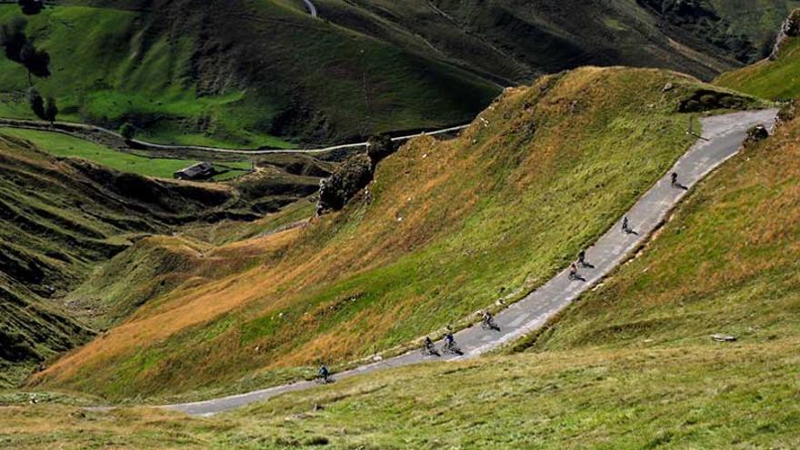 Cantabrian Way explota los recursos paisajísticos cántabros desde el deporte.   CANTABRIAN WAY
