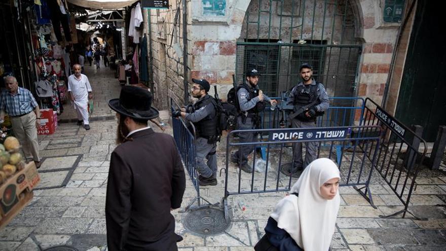 El presidente palestino pide abandonar las protestas tras la retirada de la seguridad en Al Aqsa
