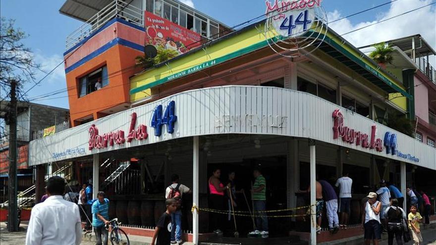 Condenan a 32 años de cárcel a los autores de una matanza en un bar en Colombia