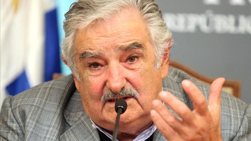"""Mujica afirma que el narcotráfico es el """"verdadero veneno"""" y peor que las drogas"""