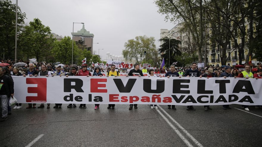 La cabecera de la manifestación de la España vaciada en Madrid