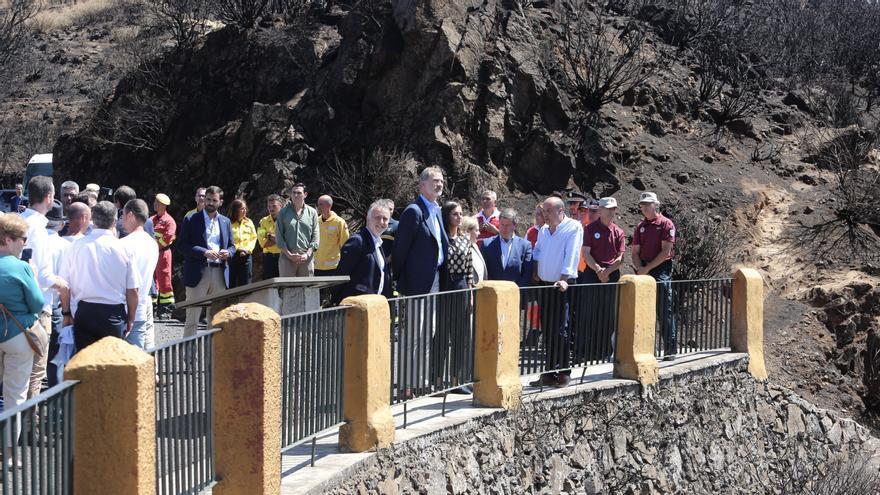 Los Reyes visitan las zonas quemadas de la cumbre de Gran Canaria