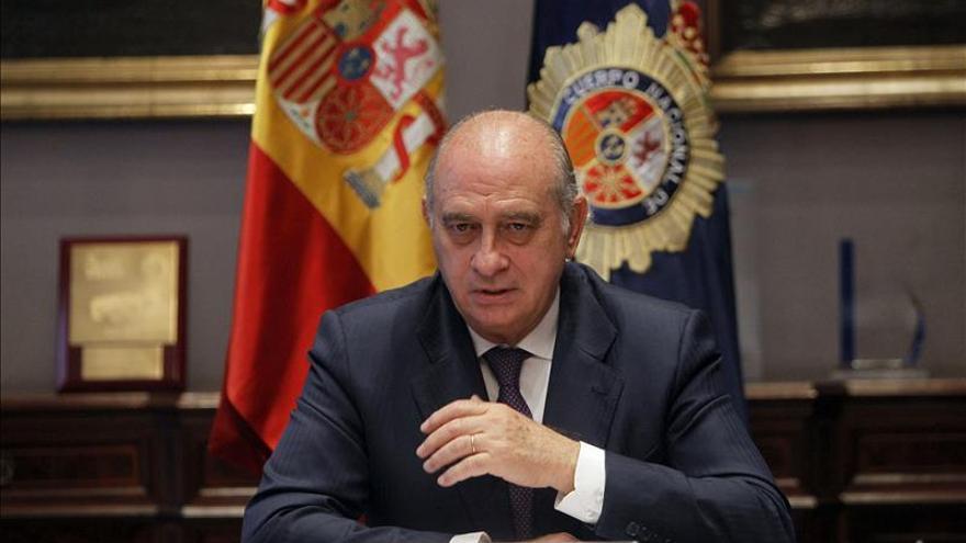 Fernández Díaz dice que Mas alimenta la confrontación, la división y la fractura de Cataluña