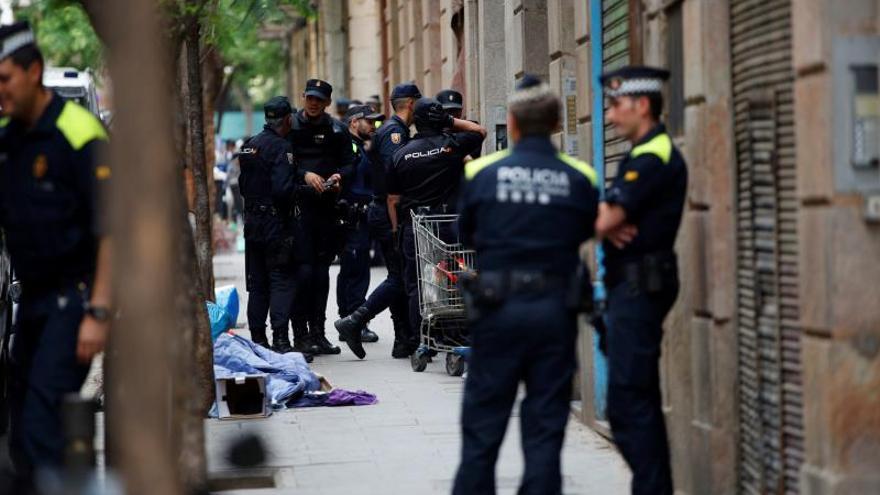 """Hastío e impotencia en Ciutat Vella por un conflicto """"que viene de lejos"""""""