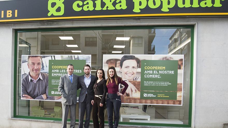 Caixa popular abre una nueva oficina en ibi for Oficinas la caixa en valencia