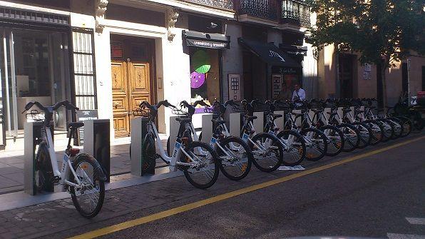Bicis en calle Hortaleza | Foto: SOMOSCHUECA