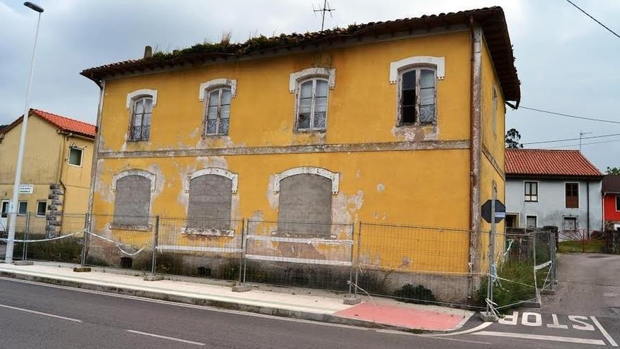 El Ayuntamiento demolerá las antiguas escuelas de Barcenilla