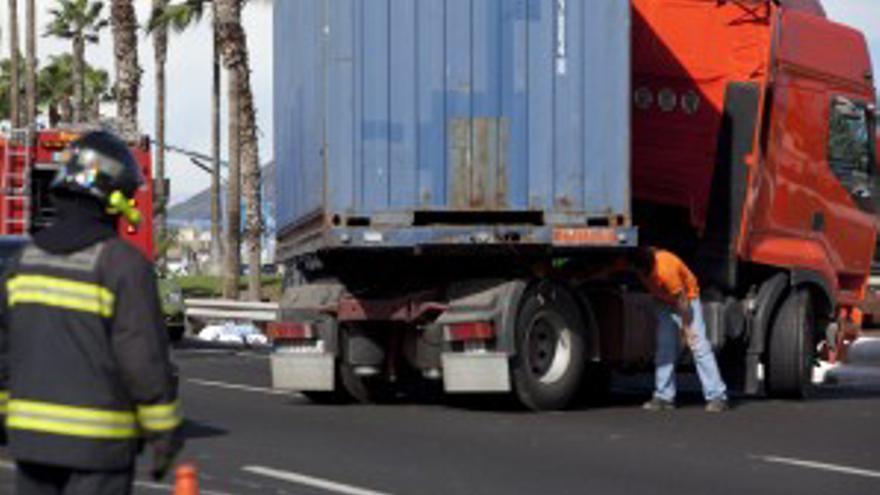 El camión implicado en el accidente. (ACN PRESS)