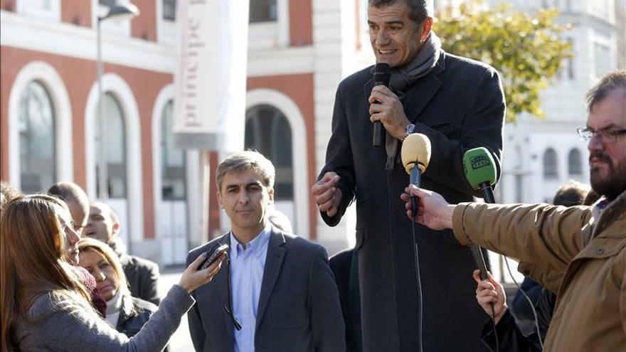 """Toni Cantó dice que Rajoy y Sánchez compiten a ver quien tiene el """"dedazo"""" más grande"""