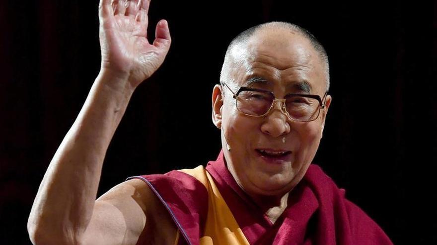 El dalái lama viaja hacia el noreste indio pese a las quejas de Pekín
