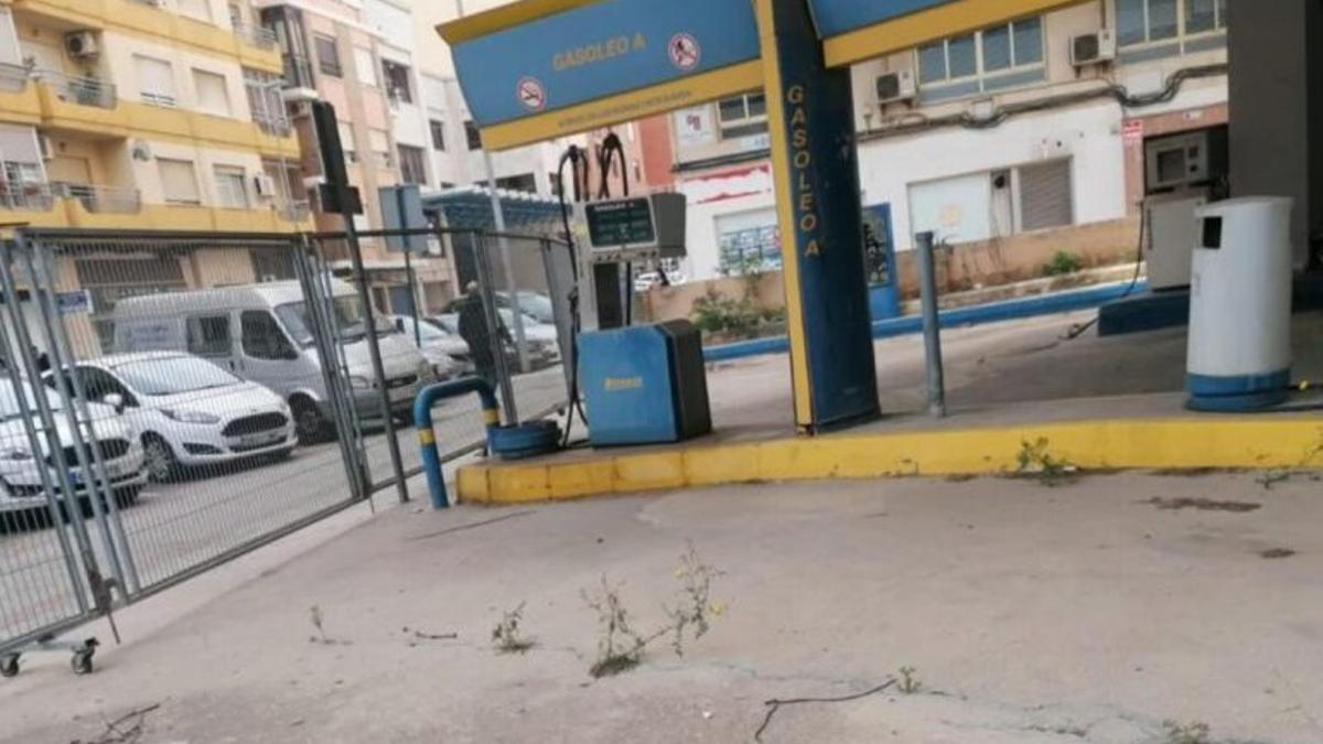 Gasolinera de la Avenida Lluís Suñer de Alzira.