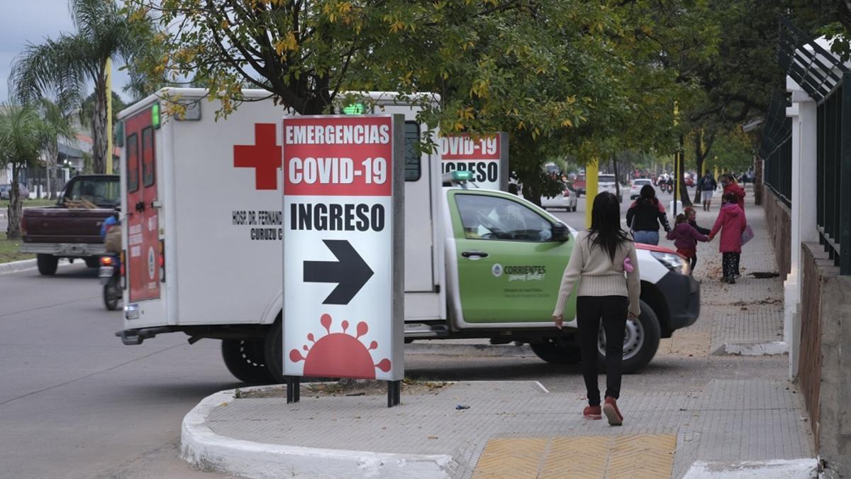La provincia de Corrientes registró un récord de casos nuevos de coronavirus reportados en las últimas 24 horas, con 734 contagios y cinco muertes.