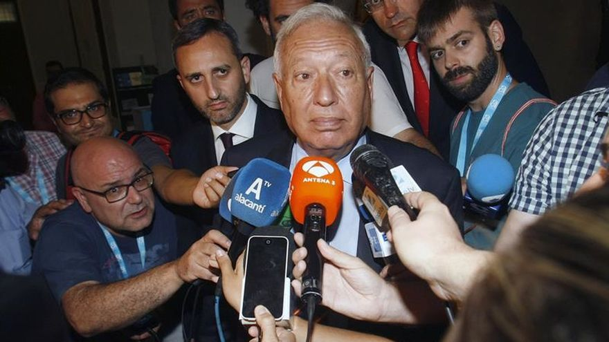 Margallo: Quien ayuda a gobernar tiene premio, quien pone trabas castigo