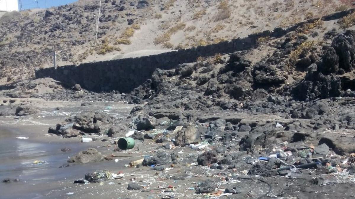Residuos en las costas de Tenerife