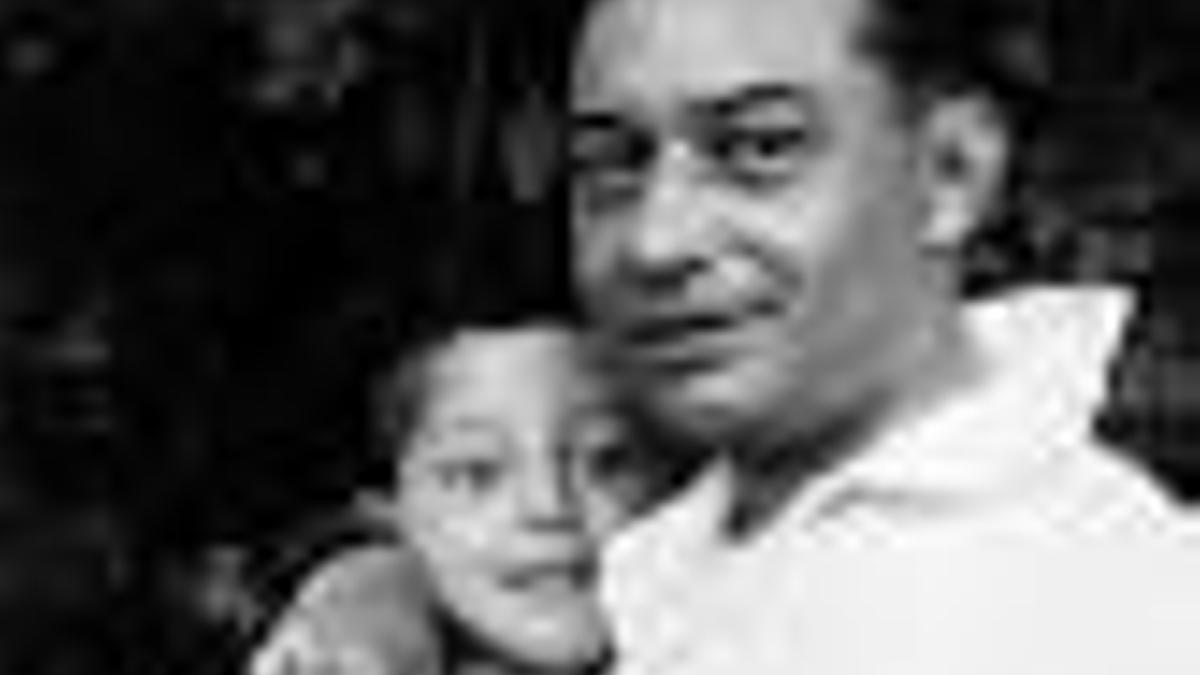 Camilo Díaz Baliño co seu fillo Isaac Díaz Pardo cando este era un neno
