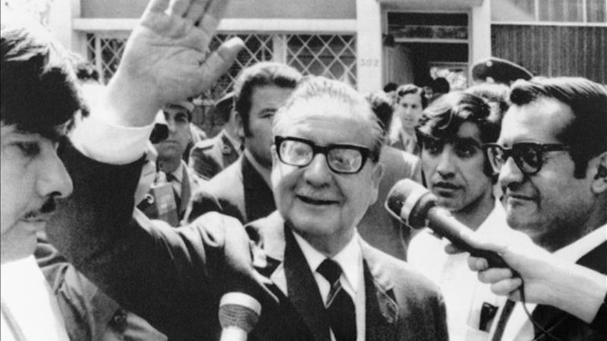 Un libro sobre Salvador Allende aborda datos inéditos de su vida sentimental