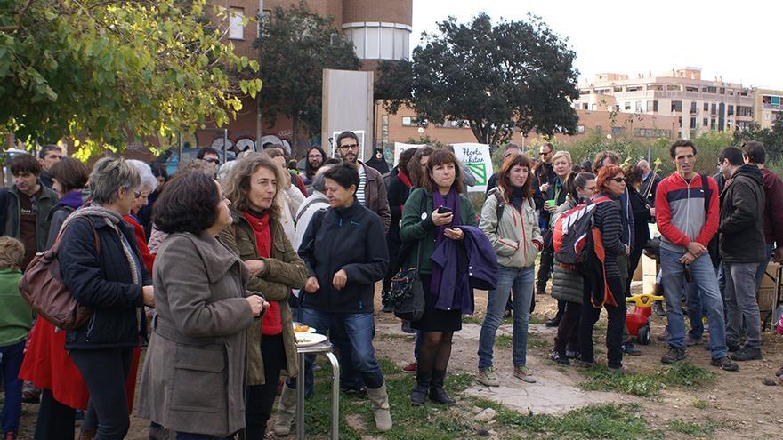 Un momento de la presentación del calendario 'Fem l'horta possible' impulsado por el colectivo Per l'Horta