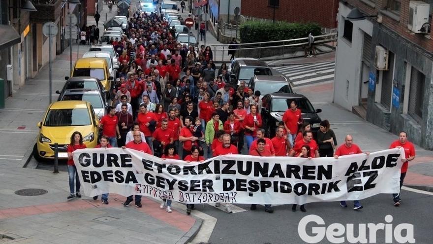 """Trabajadores de Edesa Basauri exigen """"un proyecto responsable"""" y el mantenimiento del """"pleno empleo"""" en la planta"""