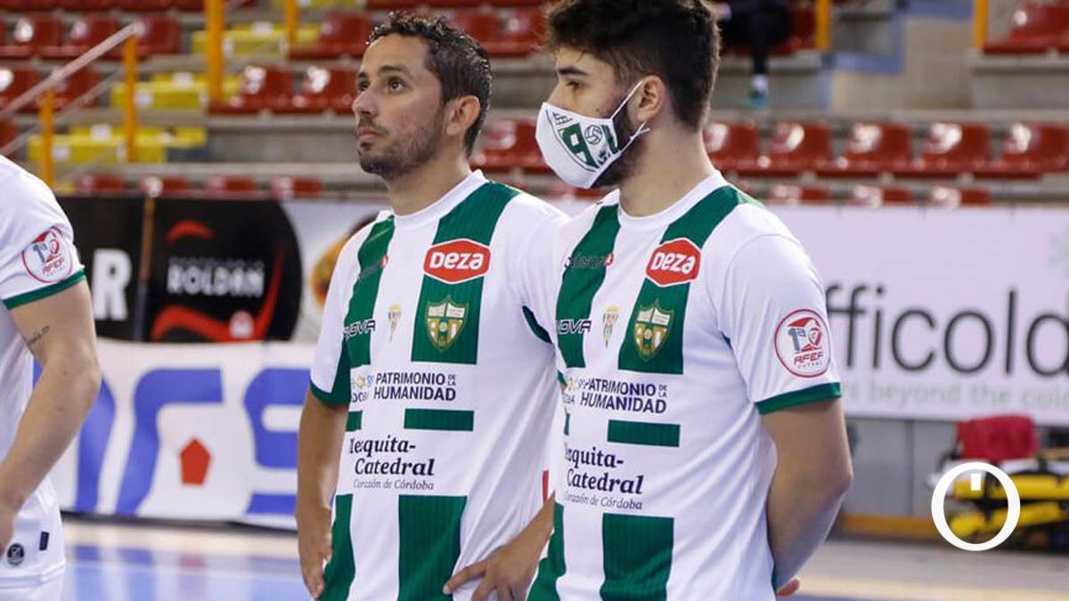 Lucas Perin, con mascarilla antes de un partido del Córdoba Patrimonio