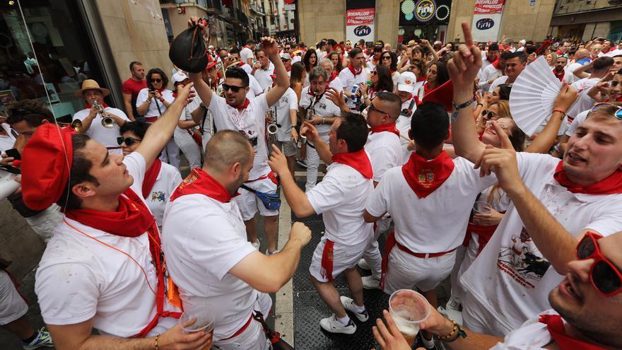 El 44% de los hospedados en San Fermín en hoteles de Pamplona tenía previsto gastarse más de 1.000 euros en las fiestas