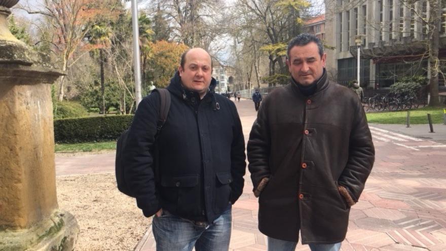 Txema Cruces y César Alvarez, del comité de empresa de Productos Tubulares
