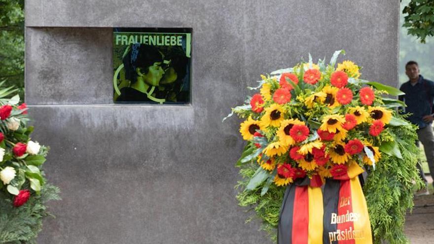 El homenaje a los homosexuales perseguidos por el nazismo en el parque Tiergarten de Berlín.