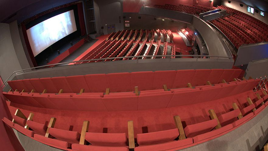 Teatro Municipal Concha Espina de Torrelavega.