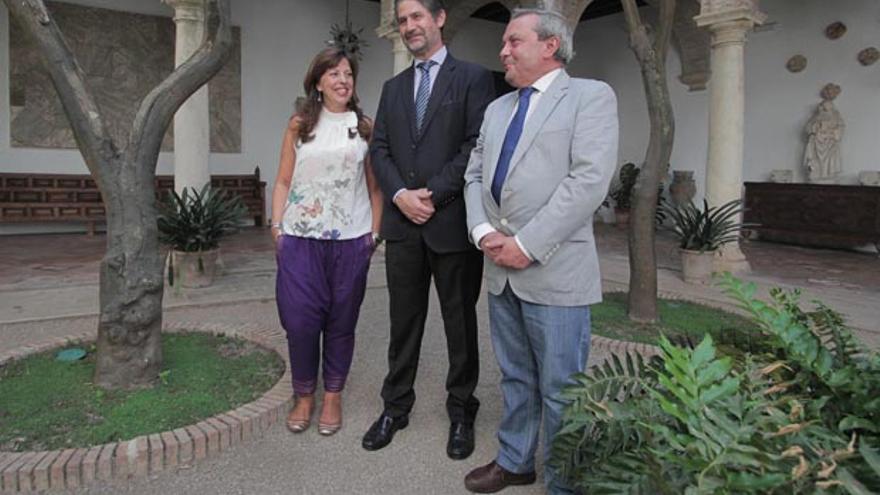 Téllez, Cañadillas y Alcalde, ayer en Viana   RAFAEL MELLADO