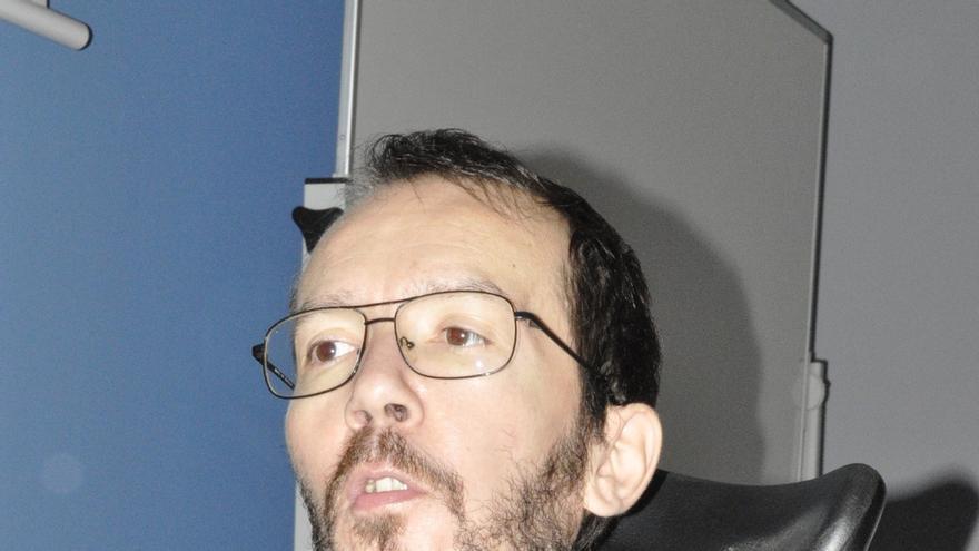 Echenique dejará el Parlamento Europeo para competir en las primarias de Podemos a la Presidencia de Aragón