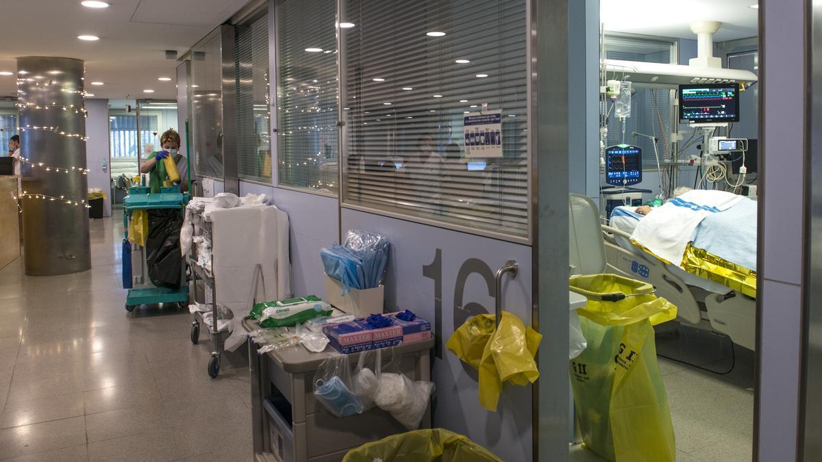 Unidad de Cuidados Intensivos (UCI) para enfermos de coronavirus