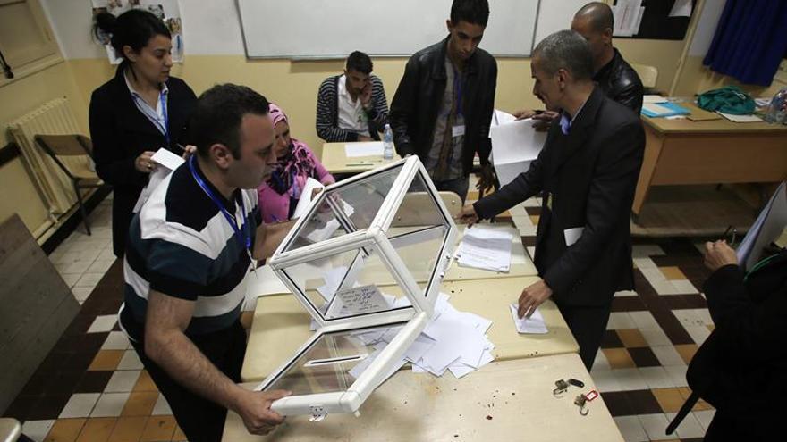 Un ex diputado islamista moderado dirigirá la Institución de control electoral