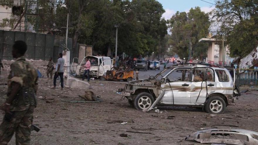 Al menos cinco muertos por la explosión de un coche bomba en Mogadiscio