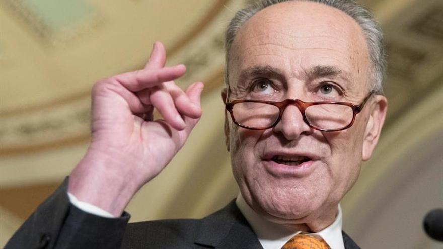 """Líder demócrata del Senado EE.UU.: """"No vamos a tolerar un presupuesto que incluya el muro"""""""
