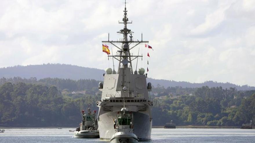 """La fragata """"Cristóbal Colón"""" regresa a Ferrol tras tres meses de ejercicios navales"""