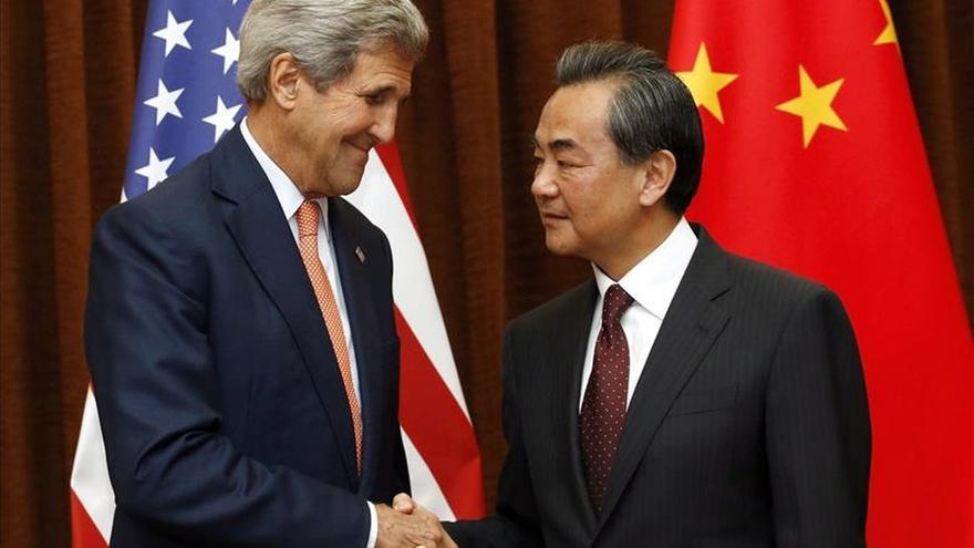 Kerry da la bienvenida al BAII y le anima a colaborar con otras entidades