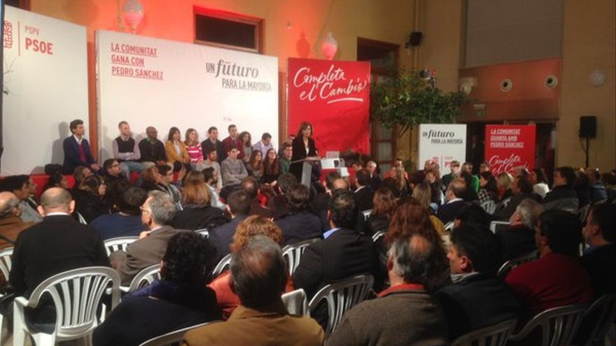 La candidata socialista, Ana Botella, en el comienzo de la campaña de las elecciones generales
