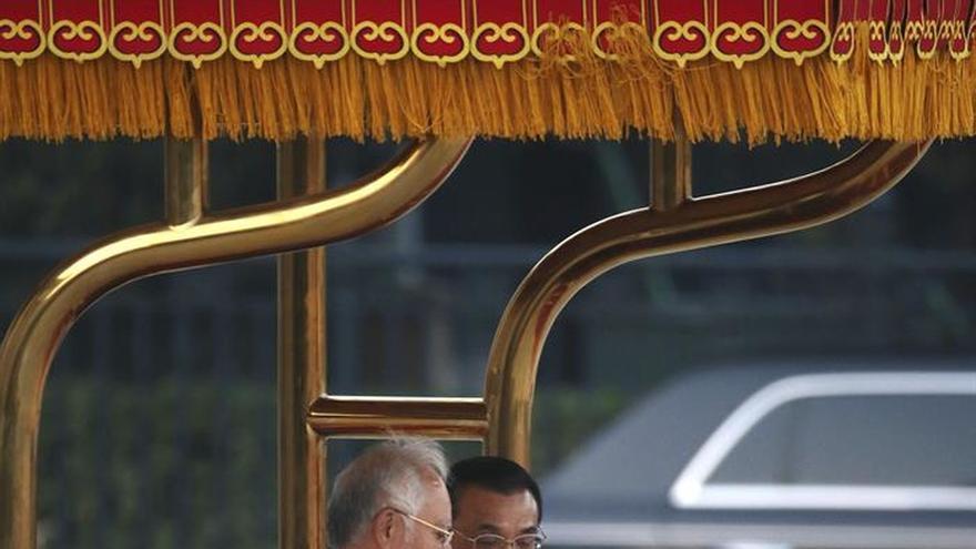 China y Malasia firman un acuerdo de defensa durante la visita de Najib a Pekín