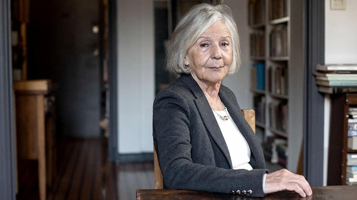 La escritora Beatriz Sarlo confirmó que le ofrecieron vacunarse contra el coronavirus.