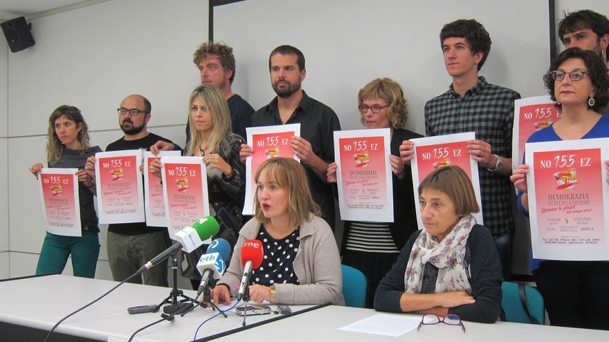 """Partidos y sindicatos navarros aseguran que la """"represión"""" en Cataluña lleva a """"un recorte de libertades en toda España"""""""