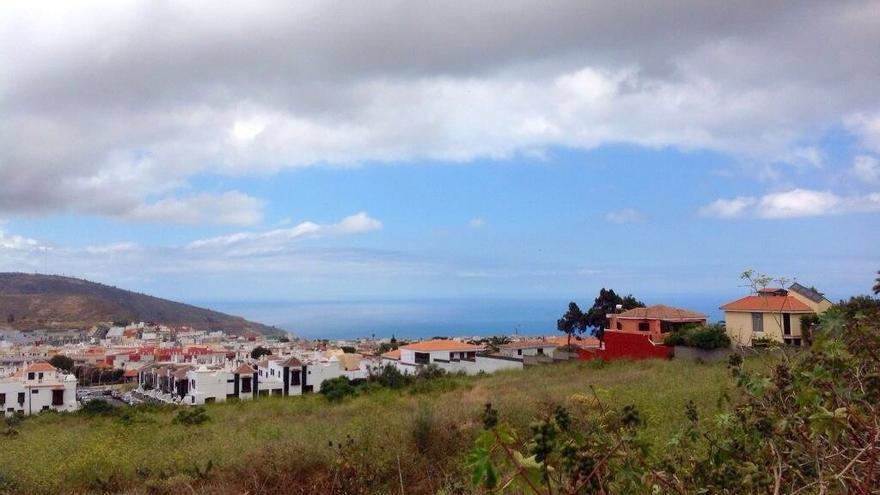 Vista de La Laguna desde la autopista del Norte