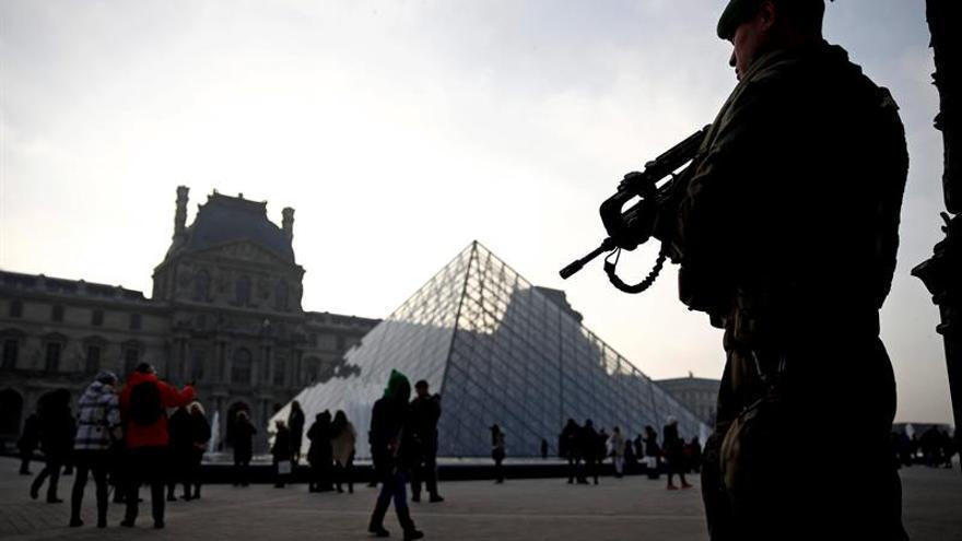 Francia alerta ante posibles atentados y ciberataques en la campaña electoral