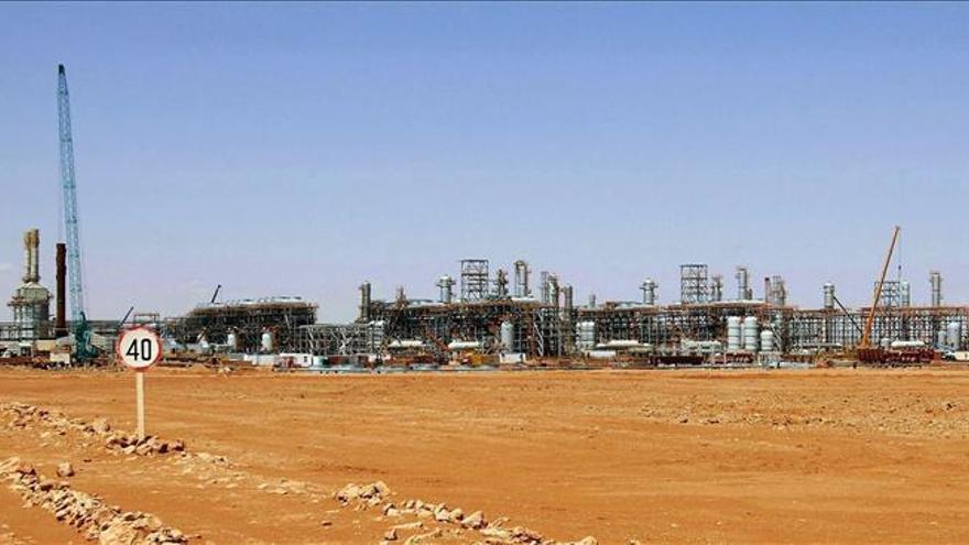 Descubren 15 cadáveres en la planta de gas argelina, según un diario