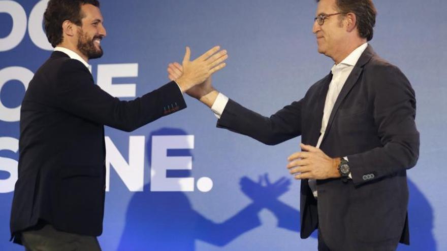 Pablo Casado y Alberto Núñez Feijóo, en un mitin de la campaña del 10N