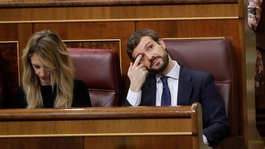 Pablo Casado y Cayetana Álvarez de Toledo, durante la sesión de control.