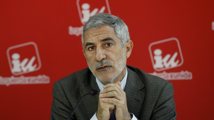 Llamazares dice que el presupuesto es fraudulento, ilegítimo y antisocial